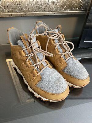 Sorel Kinetic Caribou Boots Size 9