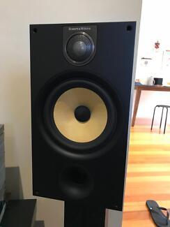 BOWERS & WILKINS (B&W) 685 S2 Speakers  LIKE NEW