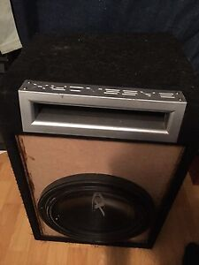 "12"" alpine type X 1000w rms and baseworx ported box"