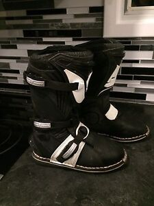Thor Youth Size 5 Motocross Boots