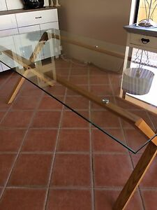 MUST SELL Dining Table Heathridge Joondalup Area Preview