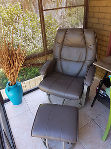 Gliding chair/rocking chair Kanwal Wyong Area Preview