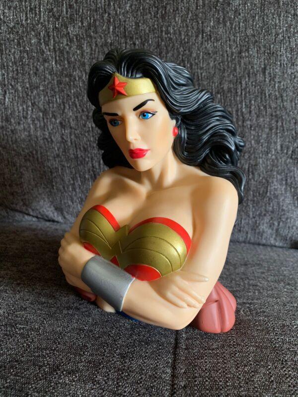 DC Comics Wonder Woman Bust Bank