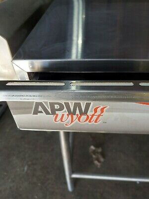 Apw Wyott Sptu-50n Free Standing Hot Dog Bun Warmer - 50 Bun Capacity