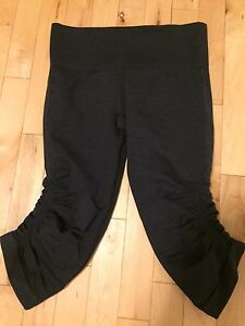Lululemon In The Flow Crops size 6