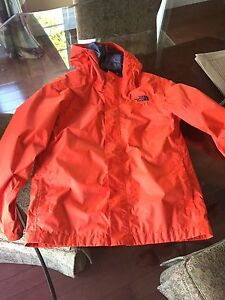 Boys North Face size 10/12