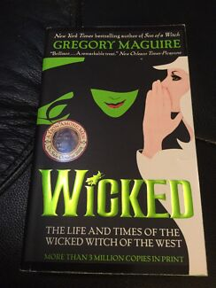 Wicked by Gregory Maguire. NEW. EC. Nic's books