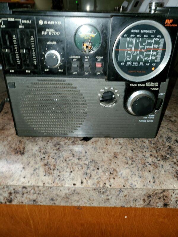 SANYO Super Sensitive FM/MW/SW1/SW2/CB/MB  Receiver Model No. RP 8700 ,Works.