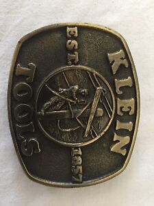 Klein and other buckle