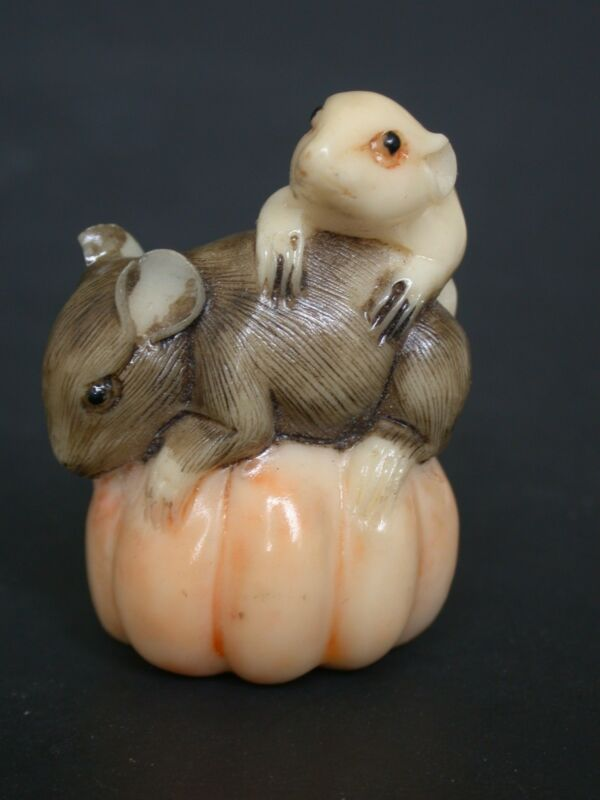 Japanese Ivory Colored Bone Netsuke-black & White Mouse/mice On Pumpkin,signed