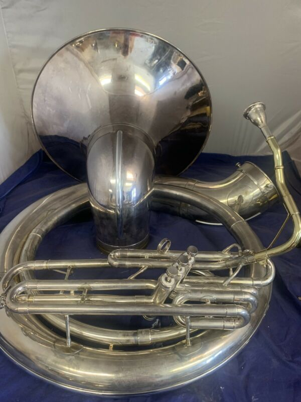 Olds Bb sousaphone overhauled 26 size. New case