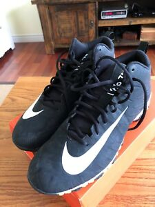 Men's Size 11 Nike Football Shoes