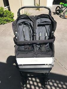 Mountain buggy duo pram Hampton East Bayside Area Preview