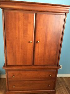 Armoire and dresser in EXCELLENT CONDITION
