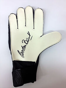 Gordon-Banks-GENUINE-HAND-SIGNED-GLOVE-Autograph-1966-World-Cup-Winner-AFTAL-COA