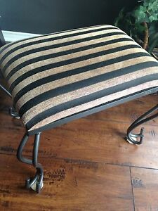 Super cute Wrought Iron Base FOOTSTOOL, only $15