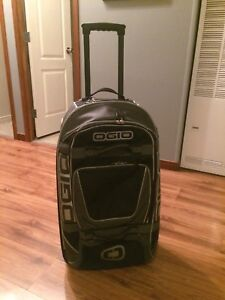 Lugggage - Roller Bags, Snowboard Bag, CarryOn - DC Shoes/OGIO