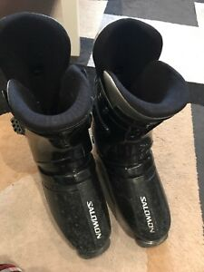Men's Salomon ski boots. Size 28.5