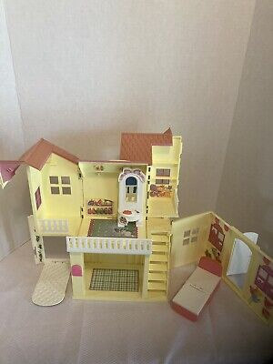 Barbie Kelly Doll POP-UP PLAY HOUSE playhouse 1998 Mattel With Some Furniture