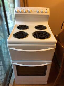 Westinghouse Freestanding Stove (Taken Pending Pick Up)