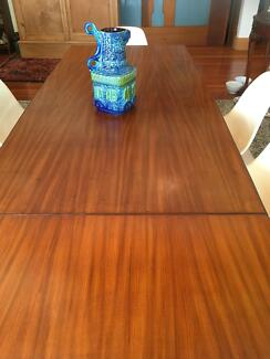 Dining suite: 7 pce mid century teak ext table & 6 dining chairs