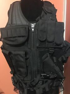 new size med/lrg yakeda army tactical vest!!!