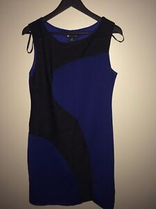 BLACK AND BLUE DRESS SIZE 14/ ROBE