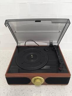 RECORD PLAYER /TURNTABLE - PLAYS VINYL RECORDS -Built in SPEAKERS