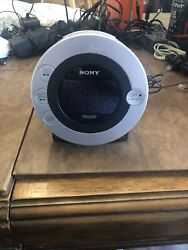 Sony CD Dream Machine ICF-CD3iP AM/FM iPod/iPhone Dock Radio Alarm Clock Player