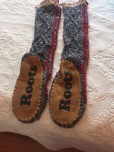 Roots knit slippers