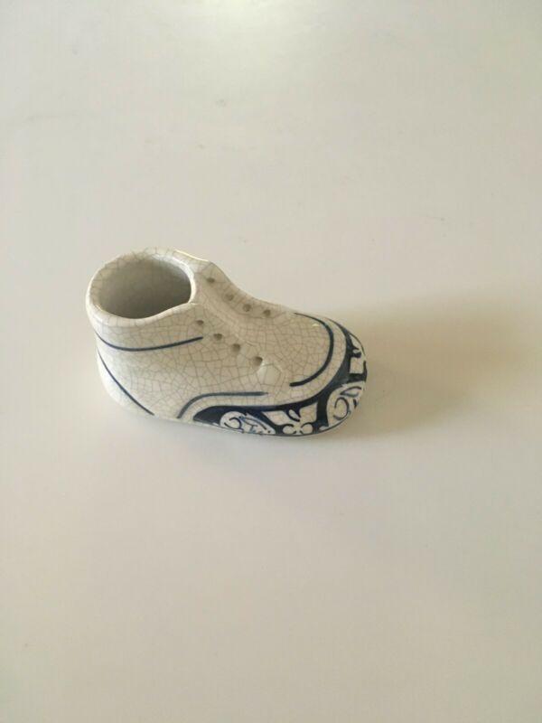 Vintage Dedham Pottery Pottery Barn 1995 Baby Shoe Pristine Condition