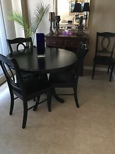 Round dining room set black finish