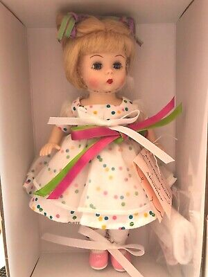 """IT'S YOUR BIRTHDAY, EAT CAKE! 66685 Blonde 8"""" Alexander doll"""