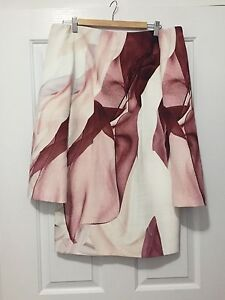 """Off shoulder """"Finders Keepers - The Label"""" Size 10 - M New Farm Brisbane North East Preview"""