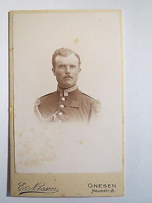 Gnesen - Soldat in Uniform mit Schützenschnur / CDV