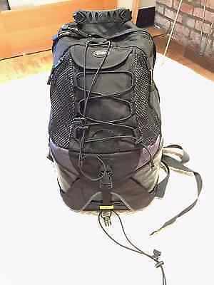 LowePro DryZone Rover Camera Backpack Waterproof Compartment (Gray)