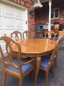 Vintage Ethan Allen Dining Room Table And 6 Chairs