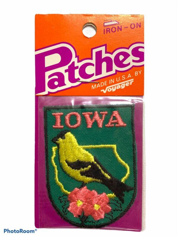 Iowa Patch State Bird Eastern Goldfinch & Flower Wild Rose Souvenir Travel Vtg