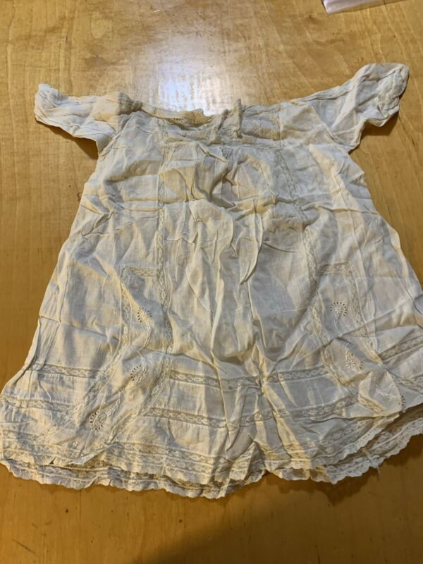 Antique vtg Victorian cotton w lace child~baby doll christening gown dress A