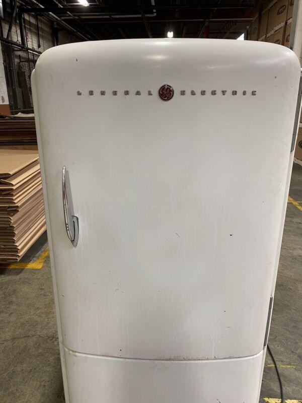 Ge Delux Refrigerator