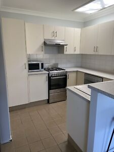 Kitchen - Make an Offer! Must be gone by 27/11