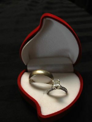 Rose -----    Romantic RED PROMISE ENGAGEMENT RING Heart Shaped Jewelry Gift Box