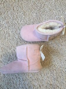 Genuine UGGs pink books size 4/5