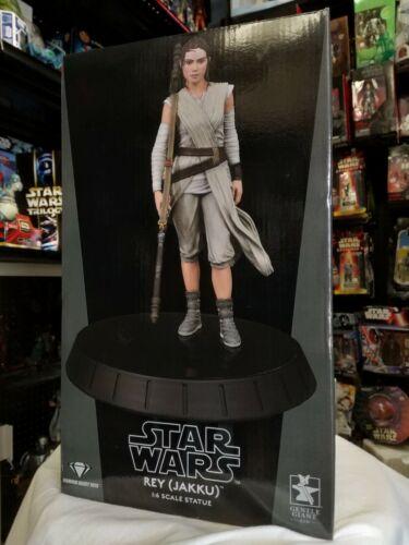 Star Wars Rey (Jakku) 1:6 scale statue Gentle Giant Diamond Select Toys