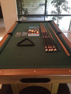 Pool table Willow Vale Gold Coast North Preview