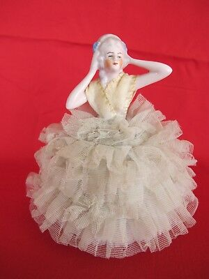 ANTIQUE  FRENCH LOUIS 14TH PORCELAIN FIGURINE LACE DRAPED PETTICOAT-WEST - French Lace Porcelain