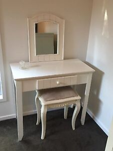 Dressing Table Ashmore Gold Coast City Preview