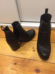 LIPSTICK Cut out boots SIZE 9 Fullarton Unley Area Preview