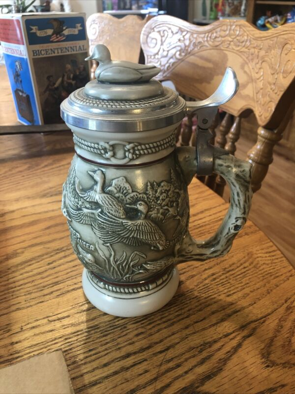 Beer Stein With Lid Ducks of the American Wilderness Collectibles 1988 Avon