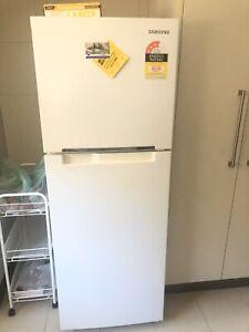 Samsung 150L fridge on SALE!!!